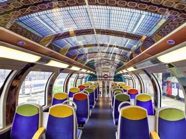 Famous works of art are making French commuters journeys much better