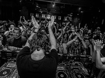 """It's a big privilege to be able to make people happy when doing what you most like so there is no secret on why I do it or why I will keep doing it"" Hernan Cattaneo Balance album tour of India by AFE"