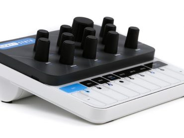 Modal CRAFT synth 2.0 a monophonic wavetable synthesiser is available via Kickstarter