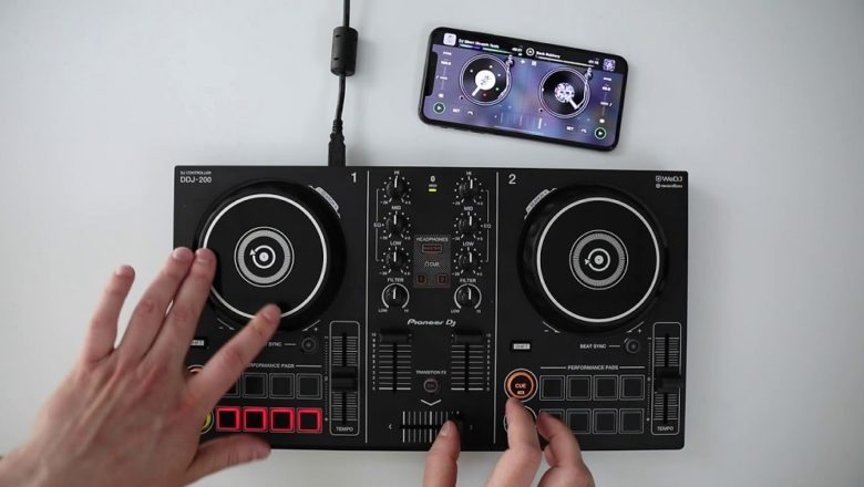 Pioneer's DDJ-200 – the smartphone and iPhone compatible DJ controller