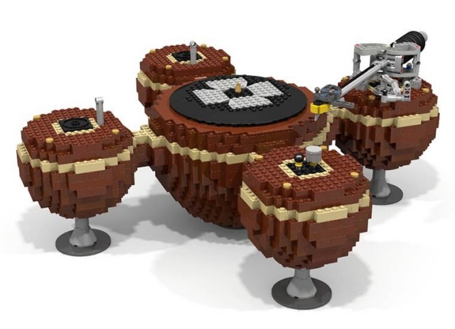 LEGO lover meets audiophile in this crazy looking turntable - Decoded Magazine