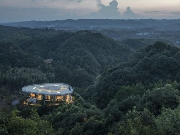 Sleep amongst the clouds at this hotel in China