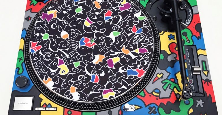 Abstract artist, Nicolas Dixon has launched a limited edition run of slipmats featuring his unique designs