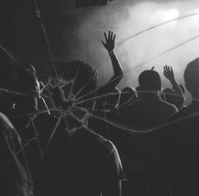 Early signs of hearing damage found in young clubbers and gig-goers